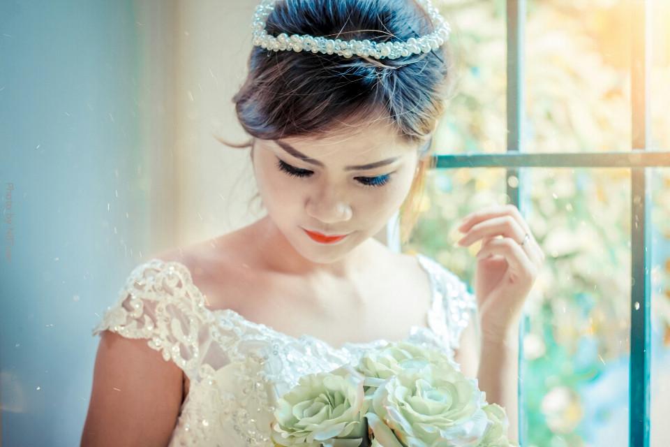 #bokeh  #flower #love #people #photography #summer #portrait #Wedding #canon #canon700d  #Wedding-dress