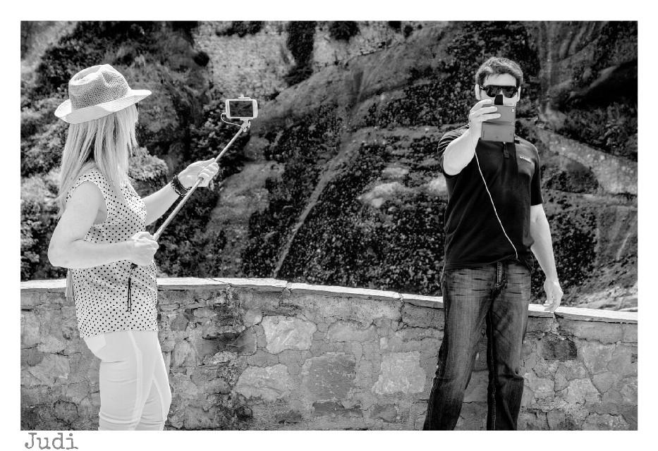 Selfie obsession...   #blackandwhite #photography  #people #selfie