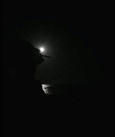 #smoke,#sea,#black,#moon